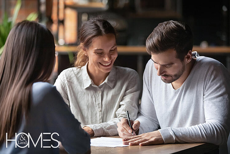 smiling-jome-buyers-with-agents